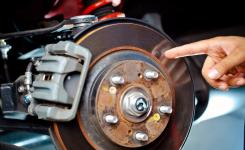 Причины и решение проблемы скрежета тормозов автомобиля